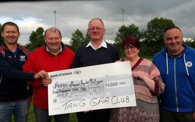 Tang GAA Club presenting €1000 towards the MRI Appeal.